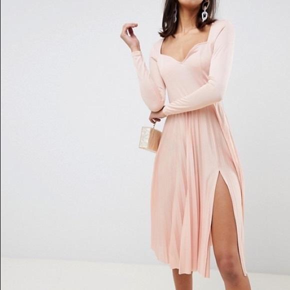ASOS DESIGN Sweatheart Neck Pleated Midi Dress